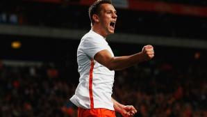 Манчестър Юнайтед се насочва към любимец на Ван Гаал, ако не вземе Серхио Рамос