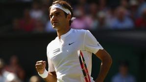 Федерер загуби първия си сет, но продължава уверено напред