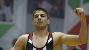 Иво Ангелов получи наградата за най-техничен борец на държавното