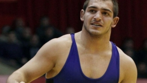 Михаил Ганев се върна с победа на тепиха