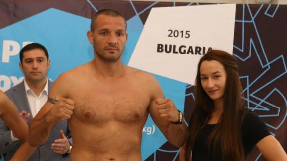 Спас Генов ще се боксира за олимпийска квота в зала