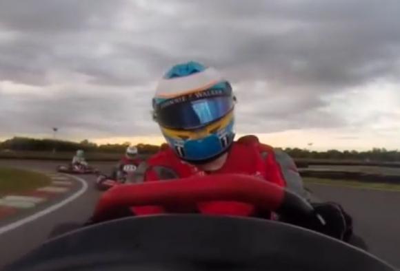Вижте как Алонсо от последен става първи (Видео)