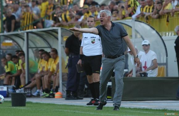 Левски - Литекс ще е дерби без треньори