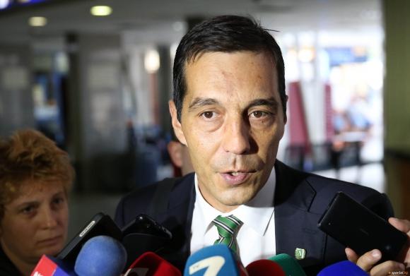 Заложиха Рибейро на дузпата - очакват се оставки и на шефове (видео)