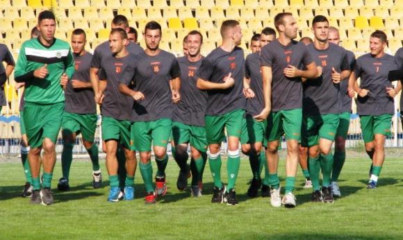 Звезди на аржентинския футбол идват в Бургас заради Нефтохимик