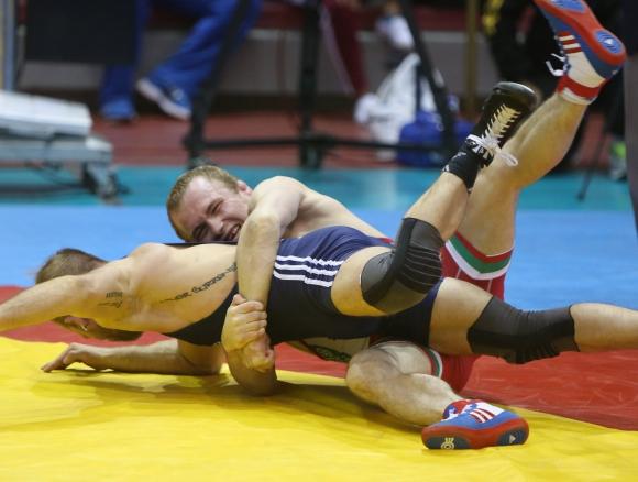 Дубов е шампион, а Вангелов е с бронз от Полша