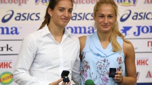 Габриела и Стефани Стоеви поставени в основната схема на световното