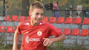 14-годишният капитан на ЦСКА в мача с Вихрен изуми Франция
