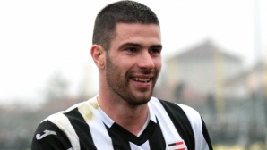 Александър Якимов се завръща в родния си клуб