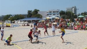 Локомотив (Горна Оряховица) и Ники-Спорт държавни шампиони по плажен хандбал