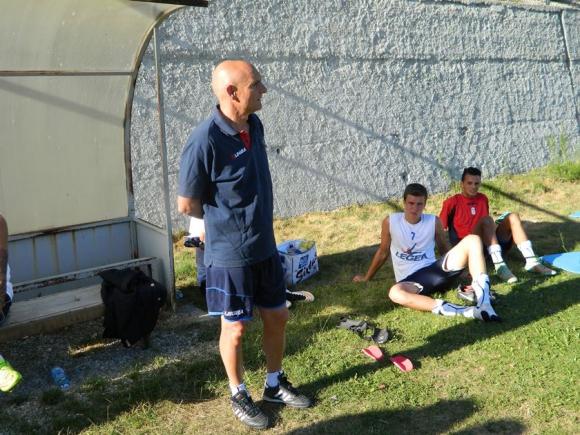 Треньорът на Козенца хвали Вутов