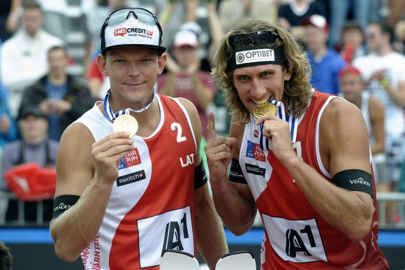 Латвийците Александърс Самоиловс и Янис Смединс покориха върха на Европа (ВИДЕО)