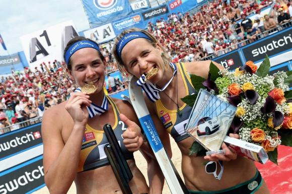 Лаура Лудвиг и Кира Валкенхорст грабнаха титлата на Евроволей 2015