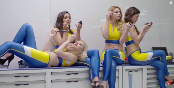 Летен питстоп от Заубер с момичета на токчета (Видео)