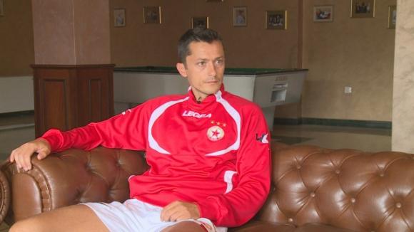 """Часове след екшъна на """"Армията"""": Христо Янев на изпит"""