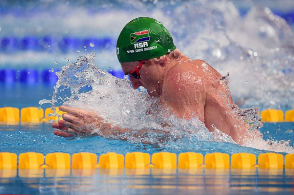 Камерън ван дер Бург подобри рекорда на 50 бруст, Лъчезар Шумков 35-и