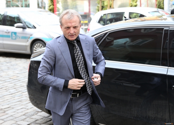 Тръгна делото срещу Гриша Ганчев