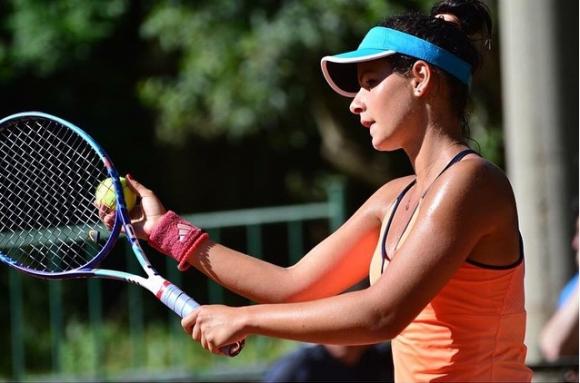Юлия Стаматова и Петя Аршинкова влязоха в осмицата на турнира в Пловдив