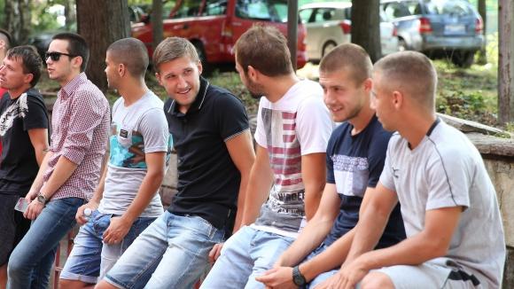 Премиите при съперника на ЦСКА: 350 кила картофи и 100 лева на ръка!