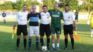 Нефтохимик изнесе футболна лекция на аржентинци