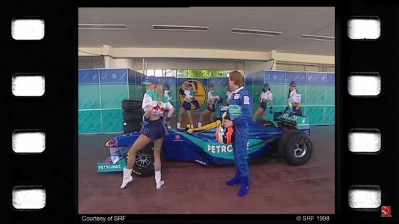 Заубер и Джони Хърбърт в лятната почивка на 1998 година (Видео)