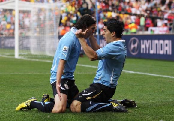 Суарес и Кавани няма да играят в контролите на Уругвай