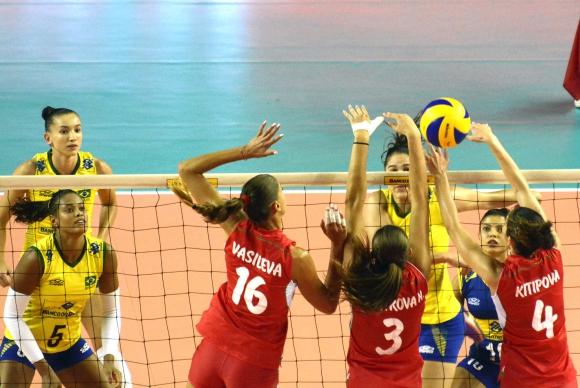 България направи 2:2 с Бразилия в Рио