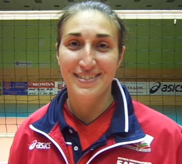 Ваня Соколова поема женския отбор на Бургас 2007