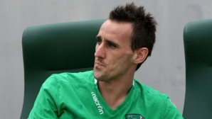Изритаха свирепо национал на България, стана му лошо и напусна игра
