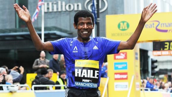 Гебреселасие отлага сбогуването си с атлетиката заради болест в семейството