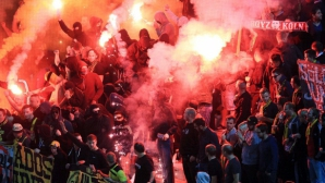 """Белезници за фенове на Борусия (Дортмунд) след сблъсъци """"Тумба"""""""