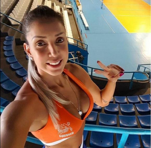 Ето как тренира волейболистката с най-големия бюст (ВИДЕО)