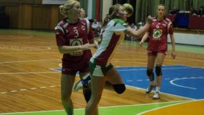 България стартира със загуба в квалификациите за Евро 2016 по хандбал за жени