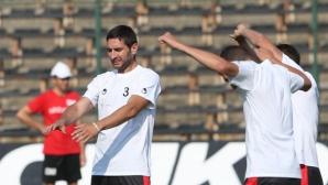 Локо Пд тренира без Тунчев и Камбуров, но с нови футболни топки