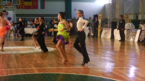 Сливен приема в неделя държавното и два турнира по спортни танци