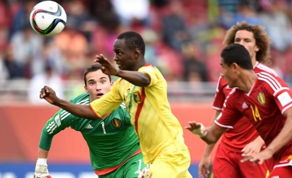 Вратар закопа Белгия на 1/2-финалите на световното за юноши (видео)