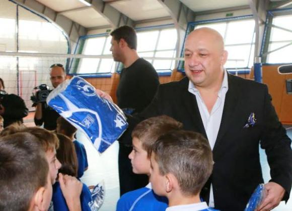 Кралев: Само за 3 седмици школата на Владо Николов събра повече деца, отколкото много федерации за 30-40 години (ВИДЕО)