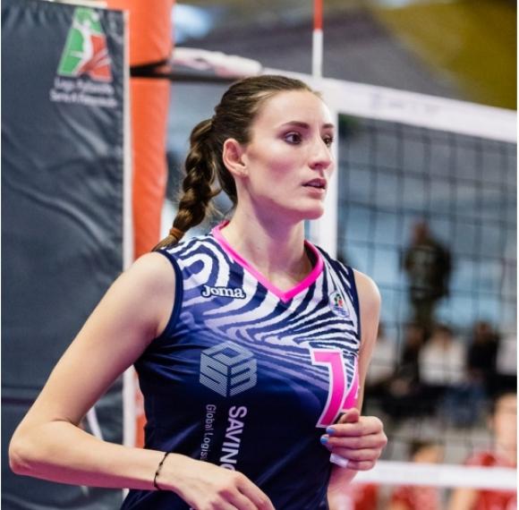 22 точки на Емилия Николова при победа на Скандичи