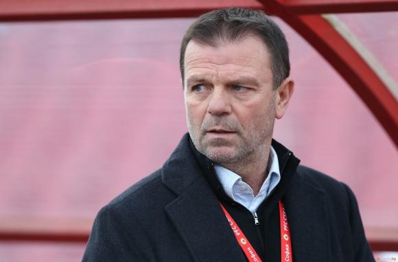 Стойчо Младенов се завръща