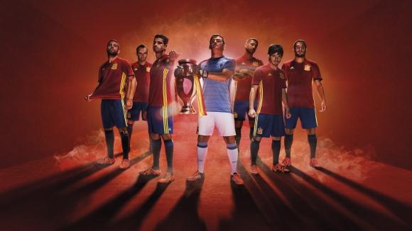 Испания представи екипите си за Евро 2016 (снимки)