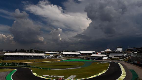 Ферари са готови за предпоследното състезание от шампионата (Видео)