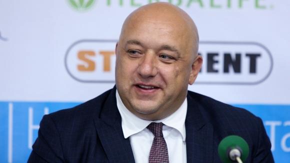 Министър Кралев: Силен национален отбор ще запали децата по баскетбола