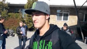 Най-добрият ни състезател по мотокрос Петър Петров се завърна в страната