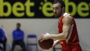 Лукойл Академик не позволи изненади и спечели във Варна