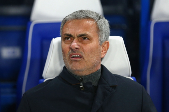 Моуриньо смята, че в Челси има къртица