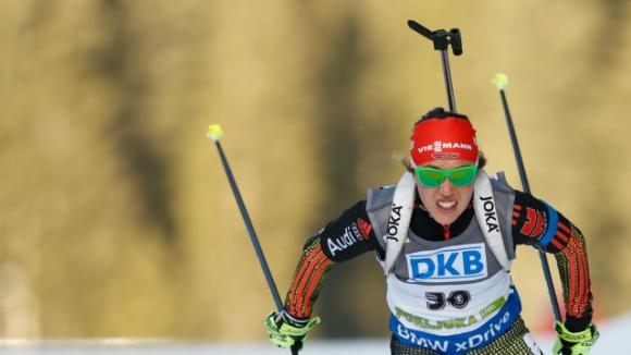 Лаура Далмайер спечели преследването на 10 км от СК по биатлон
