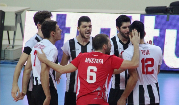 Бранимир Грозданов и Бешикташ със 7-а загуба в Турция