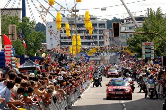 Тур дьо Франс ще стартира от германския град Дюселдорф