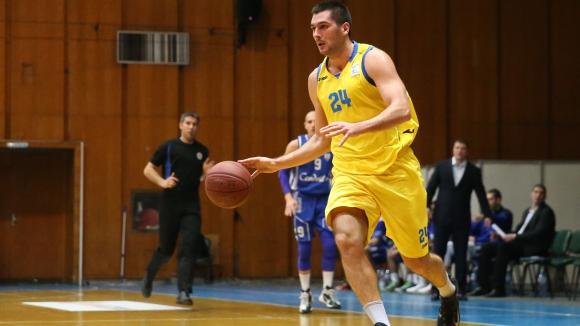 Шампионите на Балканската лига приземиха Левски 2014