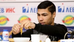 Даниел Асенов не обича риба, често пропуска закуската и обяда